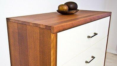 Dřevěná komoda z masivu PORTO 4x zásuvka #07