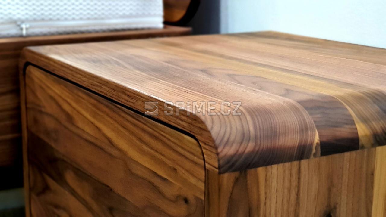 Noční stolek DEIRA ořech