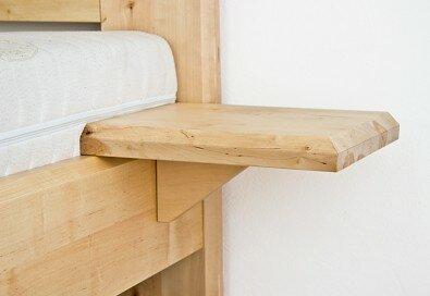 Obrázek produktu: files/nocni-stolek-z-masivu-bonito-03.jpg