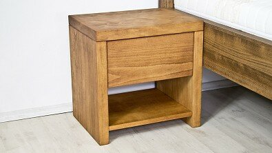 Dřevěný noční stolek z masivu SIENA, Masiv: Buk, Odstín: Olej Světlá Třešeň #04