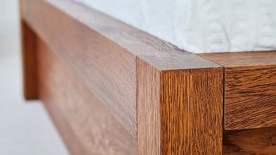 Dřevěná postel z masivu CAPRI dub drásaný, nuss braun