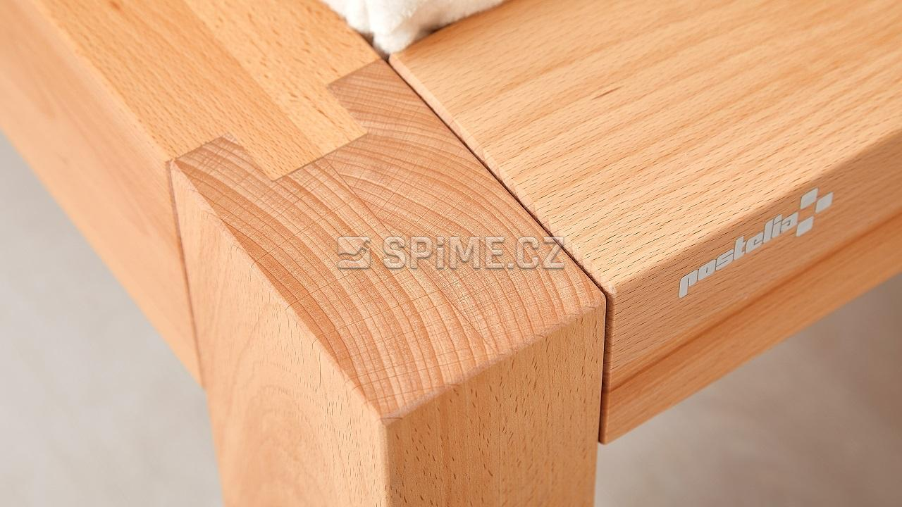Dřevěná postel z masivního buku CAPRI, spoj nožního čela