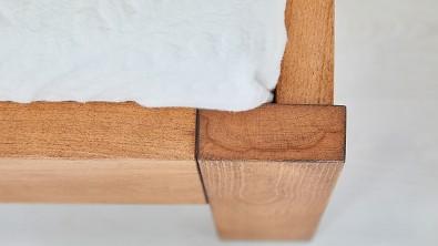 GABRIELA buk detail nožního čela