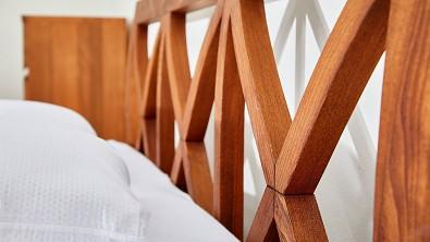 Dřevěná postel z masivu FIONA buk
