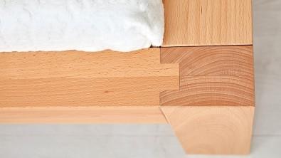 Dřevěná postel z masivního buku CAPRI