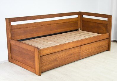 Dřevěná postel SOFA